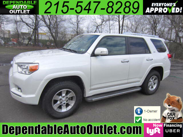 2011 Toyota 4Runner SR5 4WD w/3rd Row Rear Camera