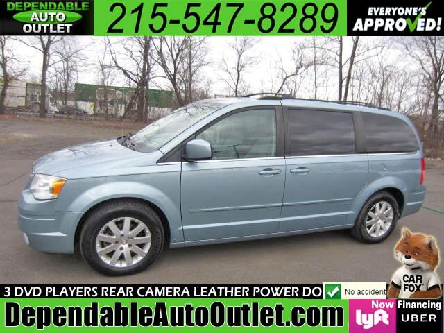 2008 Chrysler Town & Country Touring w/DVD Rear Camera Remote Start