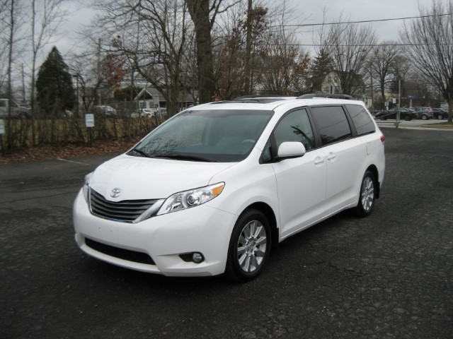 used 2013 toyota sienna xle 7 passenger awd for sale in glenside pa 19038 cardex inc. Black Bedroom Furniture Sets. Home Design Ideas