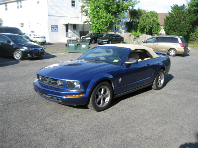 2006 Ford Mustang V6 Deluxe Convertible