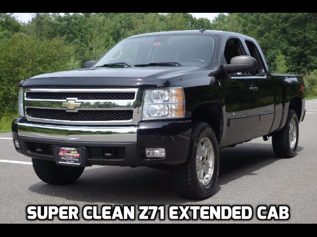"""2007 Chevrolet Silverado 1500 4WD Ext Cab 143.5"""" LT"""