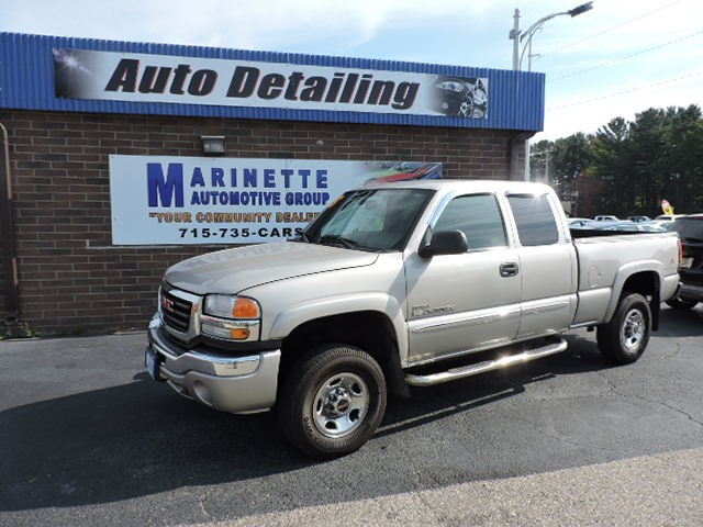 2005 GMC Sierra 2500HD SLE Standard Bed 4WD
