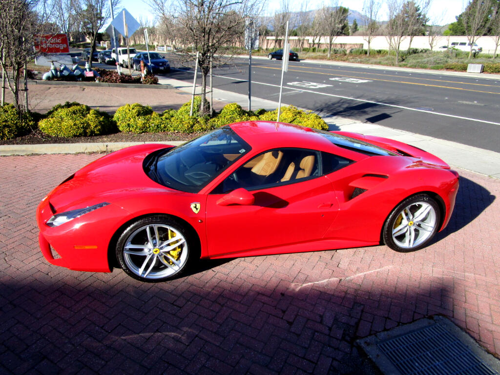 2016 Ferrari 488 GTB 3.9 LITER TURBO W/670hp*F1 PADDLE SHIFT*NAV*SAT*BL