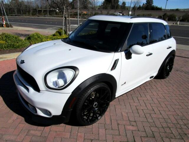 2012 MINI Countryman LOCAL TRADE WITH AT LEAST 8K IN UPGRADESH  R LOWERING SPRING WITH UPGRADED