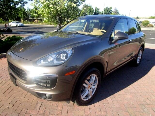 2016 Porsche Cayenne PREMIUM PACKAGE WITH LUX SEATS**PANO ROOF**CHRONO*