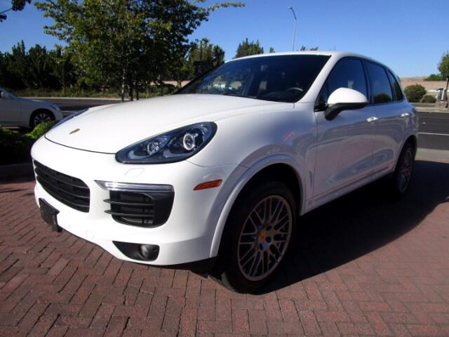 2017 Porsche Cayenne PLATINUM EDITION WITH PANO-SPORT WHEEL/PADDLES