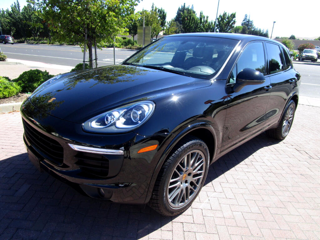 2017 Porsche Cayenne PLATINUM EDITION WITH SUEDE LEATHER HEATED SEATS