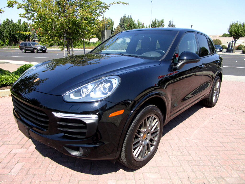 2017 Porsche Cayenne PLATINUM PACKAGE