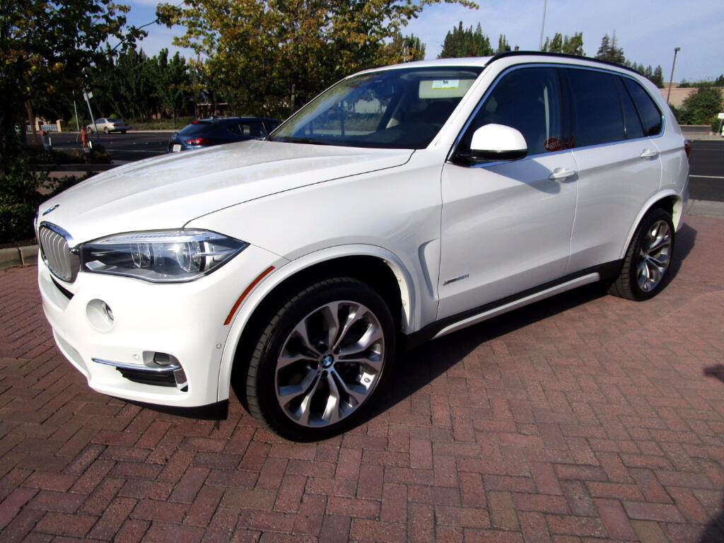 2014 BMW X5 XDrive 5.0 PREMIUM PACKAGE**REAR DVD'S*HEADS-UP DISPLAY*
