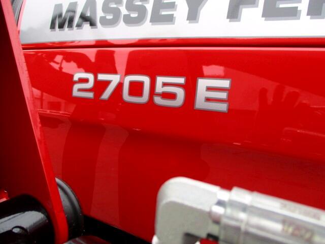 2017 Massey Ferguson Farm 2705E  LOADER  MASSEY