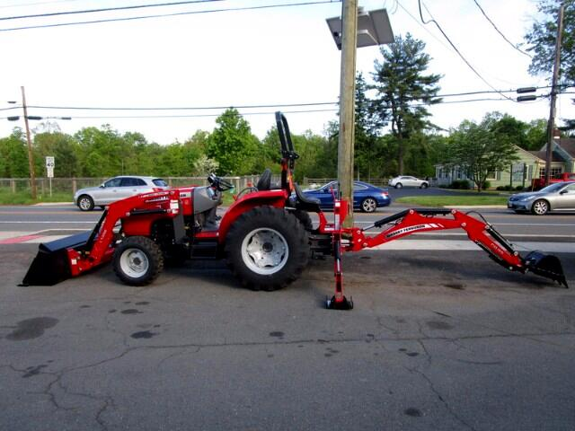 2016 Massey Ferguson Farm MF2706E WITH CB85 BACKHOE AND L135E