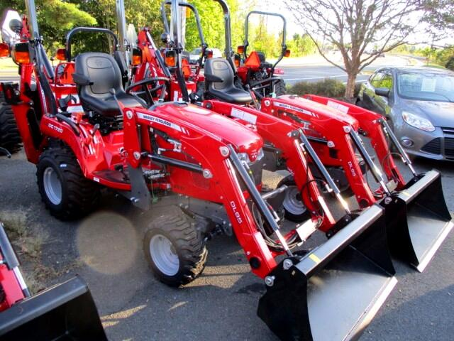 2017 Massey Ferguson Farm GC1720TLB 4X4 TRACTOR/LOADER/BACKHOE