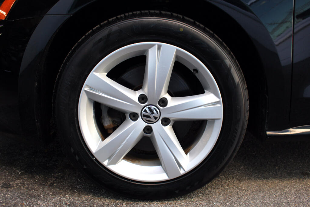 2012 Volkswagen Passat 2.5L SE MT