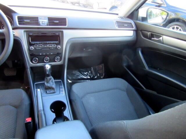 2014 Volkswagen Passat 2.5L S W/Appearance