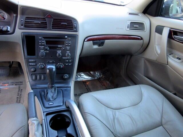 2004 Volvo XC70 Cross Country