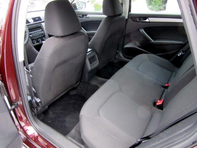 2013 Volkswagen Passat 2.5L S W/Appearance