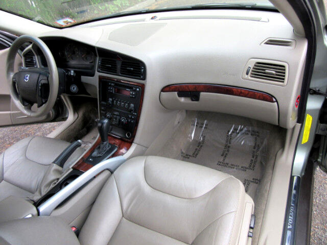 2006 Volvo XC70 Cross Country