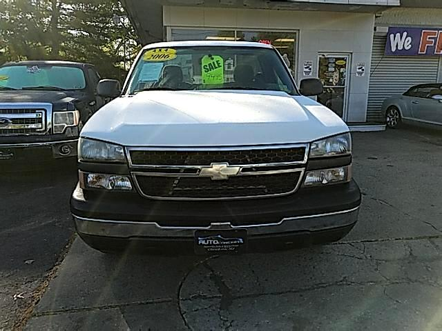 2006 Chevrolet Silverado 1500 LS Long Bed 4WD