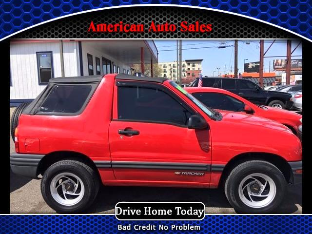 2000 Chevrolet Tracker 2-Door 4WD