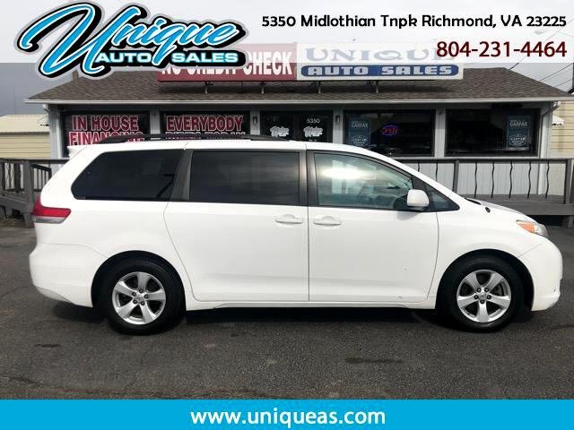 2011 Toyota SIENNA LE/