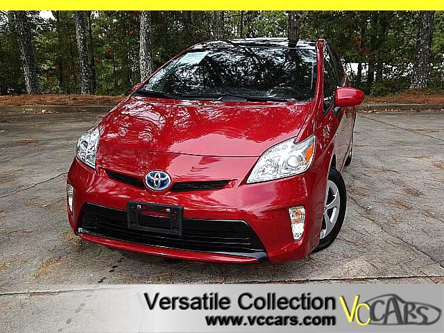 2014 Toyota Prius III TECH PACKAGE with NAVIGATION CAMERA SUNROOF XM
