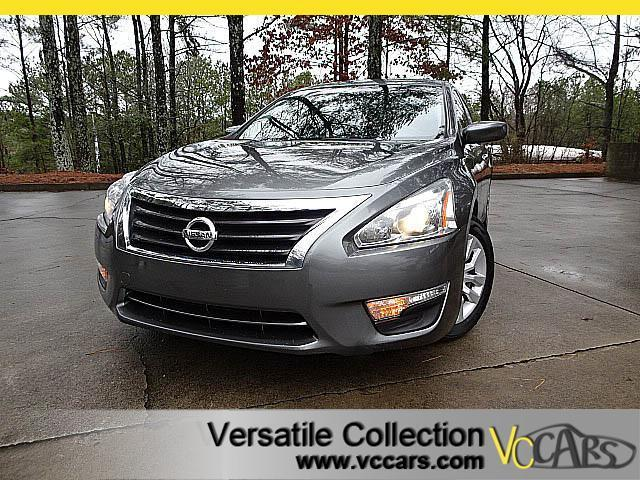 2015 Nissan Altima 2.5 S Special Edition with Back Up Camera