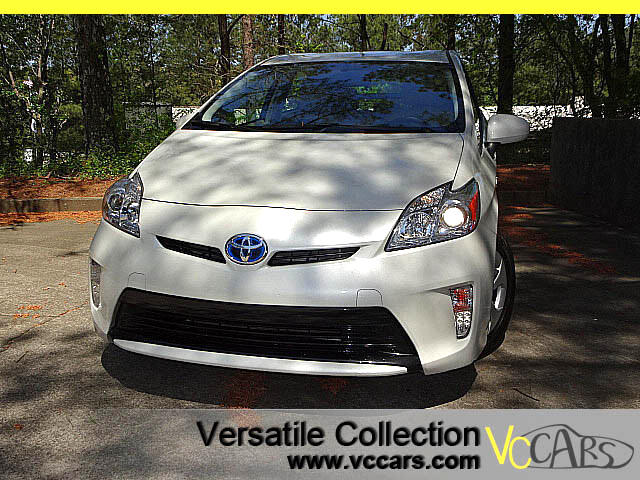 2015 Toyota Prius NEW TIRES - IV TECH PACKAGE NAVIGATION SYSTEM - LEATHER SEATS - BACK UP CAMERA - H