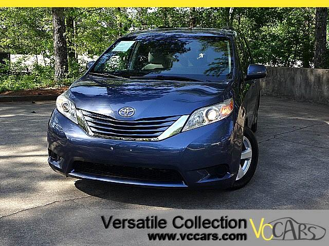 2015 Toyota Sienna LE 8 PASSENGERS SEATING - BACK UP CAMERA - DUAL POWER DOORS-- ALLOYS - KEYLESS E