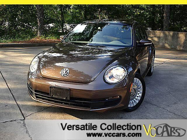 2014 Volkswagen Beetle 2.5L w PANORAMIC LEATHER HEATED SEATS XM BLUETOOTH