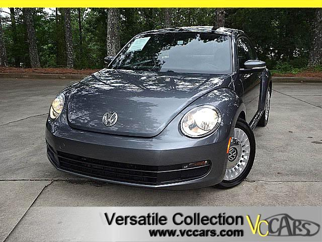 2013 Volkswagen Beetle 2.5L w/PANORAMIC ROOF LEATHER HEATED SEATS XM BT