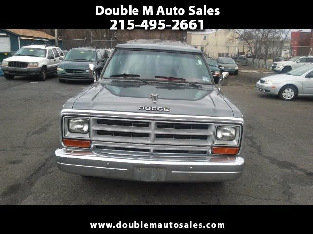 1987 Dodge D100 Custom 2WD