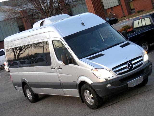 Sell used sprinter passenger van limousine mercedes benz 2 for Mercedes benz sprinter 15 passenger