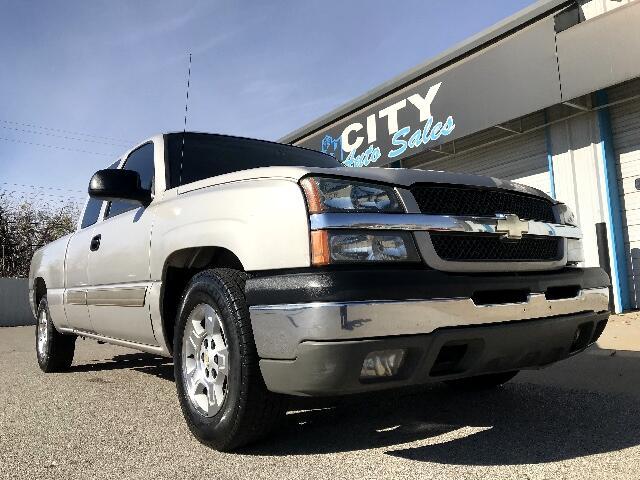 2004 Chevrolet Silverado 1500 Ext. Cab Short Bed 2WD