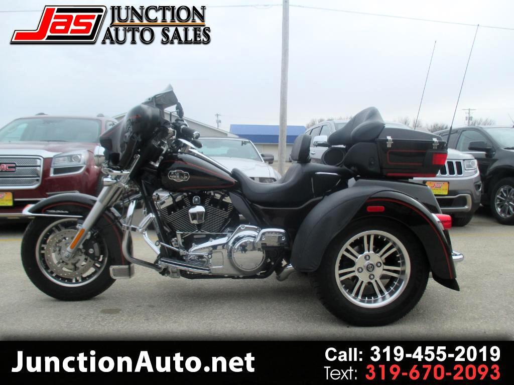 2011 Harley-Davidson FLHTCUTG TriGlide