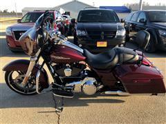 2015 Harley-Davidson FLHXI