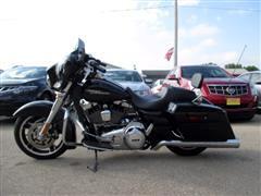 2013 Harley-Davidson FLHXI