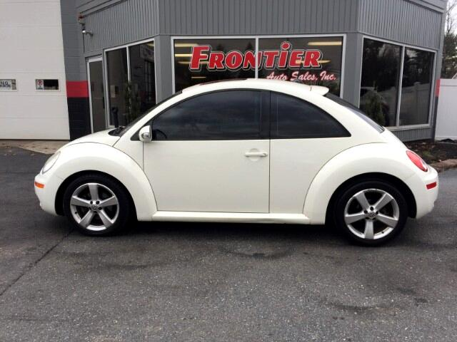 2008 Volkswagen New Beetle Triple White