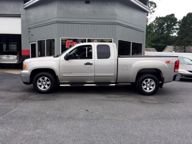 2007 GMC Sierra 1500 SLE Ext. Cab 4-Door Short Bed 4WD