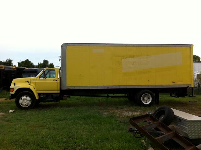 1998 Ford F700