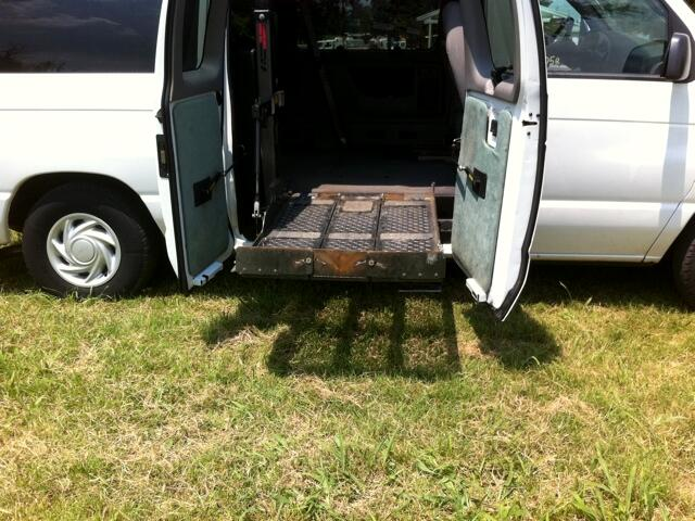 2002 Ford E-150 Window