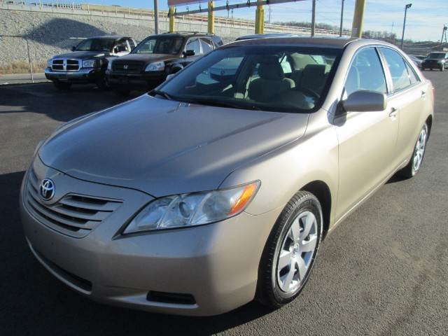 2007 Toyota Camry LE SEDAN AUTO COMES WITH 90 DAYS OR 3000 MILEAGE W