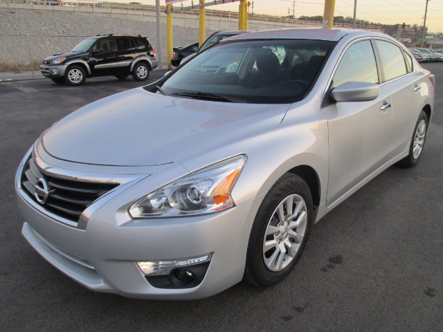 2013 Nissan Altima 2.5 S COMES WITH 3 MONTHS OR 3000 MILEAGE WARRANTY