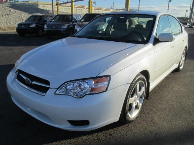 2006 Subaru Legacy 2.5i LIMITED 90 DAYS OR 3000 MILEAGE WARRANTY.