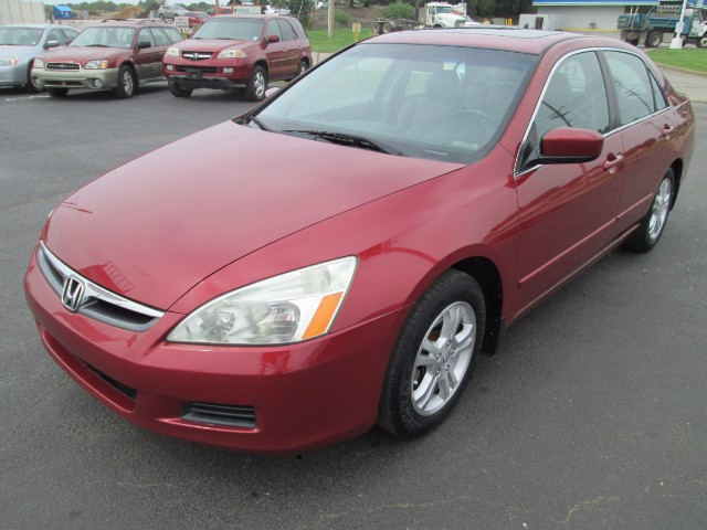 2007 Honda Accord EX-L 6 MONTHS OR 6000 MILEAGE WARRANTY INCLUDED.