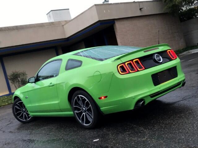 2014 Ford Mustang GT Premium ** 29K Miles ** 6Spd ** NAVI ** We Fina