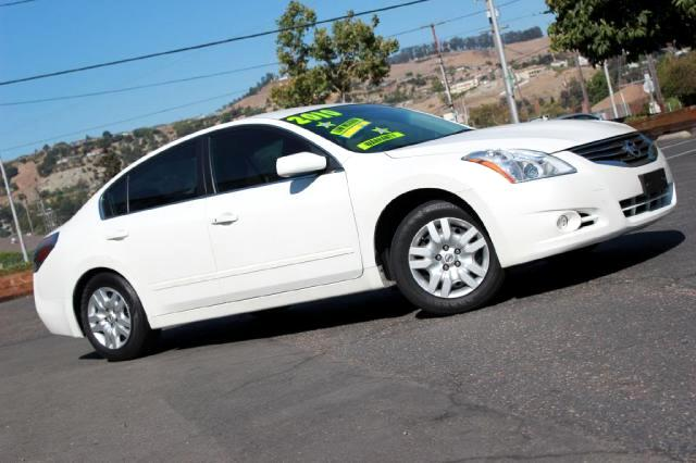 2010 Nissan Altima LOOK  New Arrival  2010 Nissan Altima 25S  Only 26K Miles  WOW  M