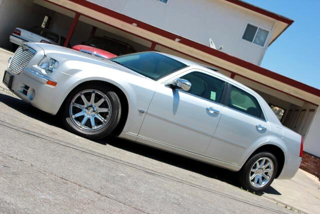 2006 Chrysler 300 LOOK  Platinum Motors Proud To Present 2006 Chrysler 300C Luxury Sedan WOW