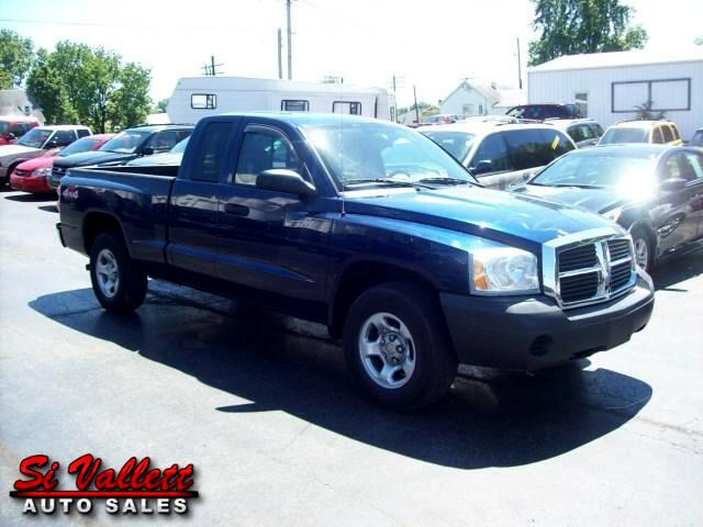 2005 Dodge Dakota ST Club Cab 4WD