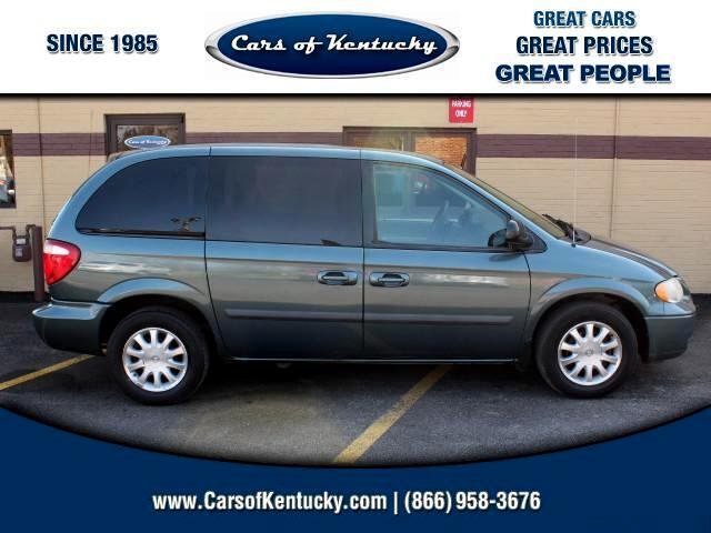 2007 Chrysler Town & Country Base