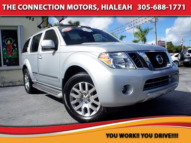 2010 Nissan Pathfinder The Nissan Pathfinder is a mid-size SUV suited for everything from a suburban